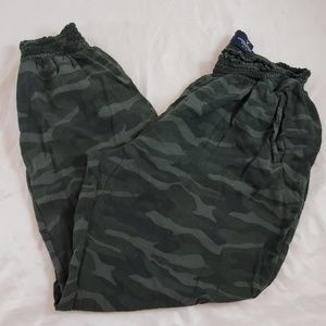 American Eagle Outfitters Camo Pants